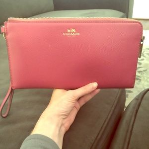 Coach wallet/clutch wristlet